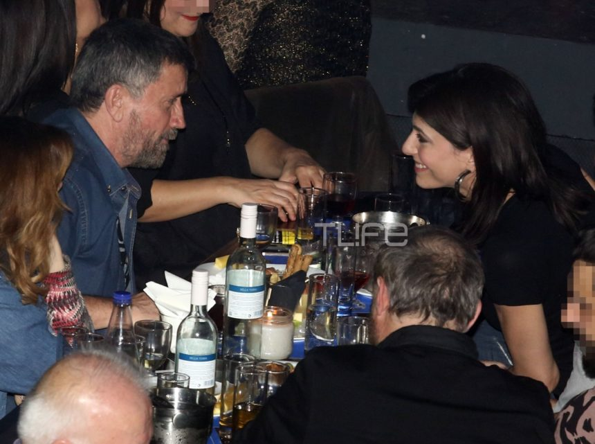 Σπύρος Παπαδόπουλος – Νικολέτα Κοτσαηλίδου: Σπάνια βραδινή έξοδος μαζί με καλούς τους φίλους! [pics]   tlife.gr