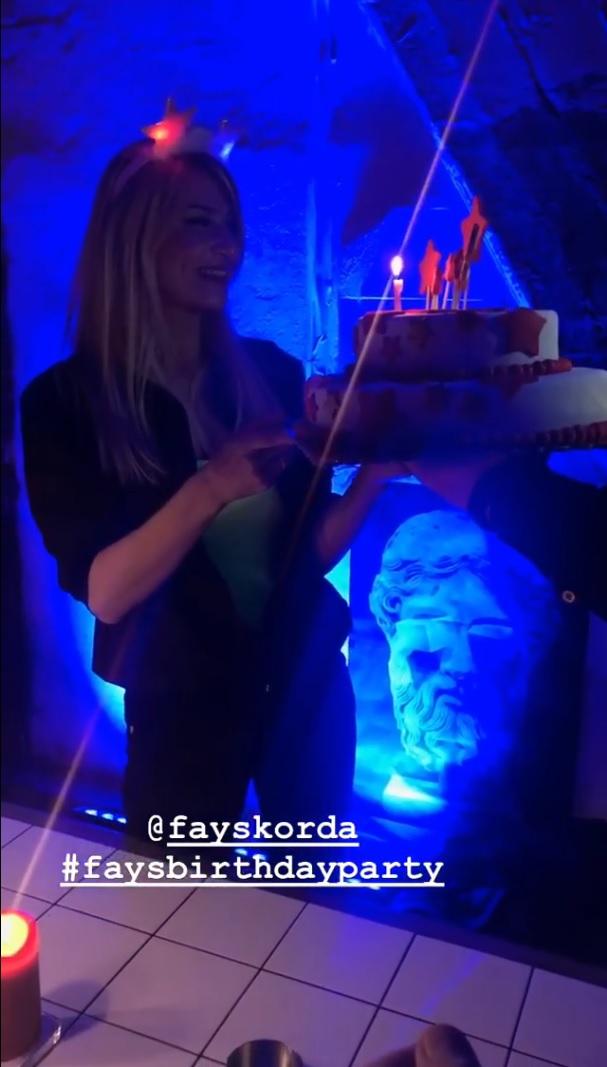 Φαίη Σκορδά | Δες φωτογραφίες από το αργοπορημένο μεν, υπέροχο δε, party για τα 39α γενέθλιά της - εικόνα 16