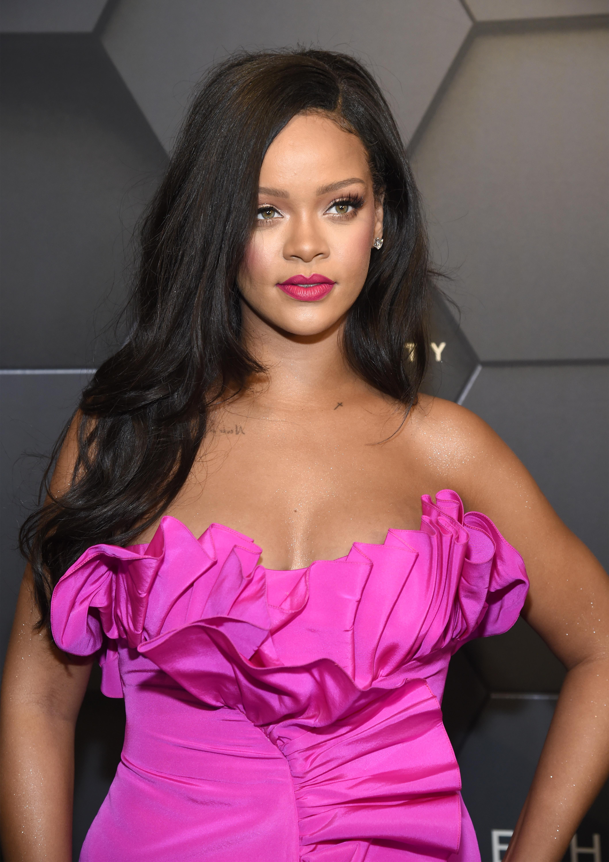 Το μοναδικό πράγμα που θέλουμε για τον Άγιο Βαλεντίνο είναι αυτό το νέο προϊόν της Rihanna! | tlife.gr