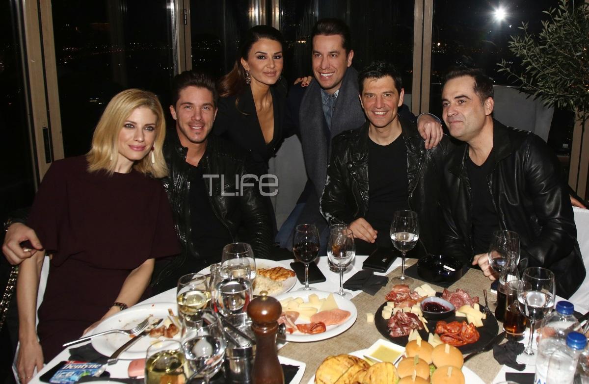 Νίκος Οικονομόπουλος – Ευαγγελία Αραβανή: Μαζί στην κοπή της πίτας γνωστού επιχειρηματία! Νέες φωτογραφίες | tlife.gr