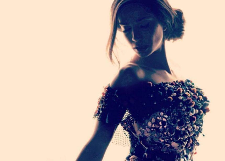 Κατερίνα Γερονικολού: Η πιο σέξι φωτογράφιση που έκανε ποτέ και η παράσταση με τον Γιάννη Τσιμιτσέλη [pics] | tlife.gr