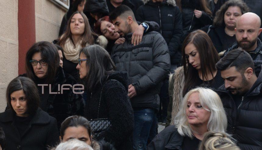 Παντελής Παντελίδης: Μνημόσυνο για τα 3 χρόνια από τον θάνατό του – Τραγική φιγούρα η μητέρα του   tlife.gr