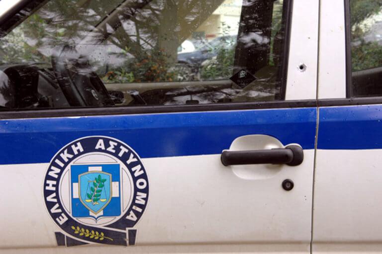 """Ληστές «ισοπέδωσαν» θέατρο στο Φάληρο – """"Μπούκαραν"""" με φορτηγό   tlife.gr"""