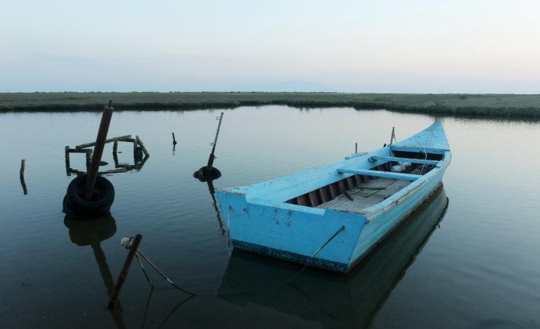 Έβρος: Θρίλερ! Έσκασε η βάρκα και βρέθηκαν στο νερό – Τέσσερις αγνοούμενοι, οι τρεις παιδιά | tlife.gr