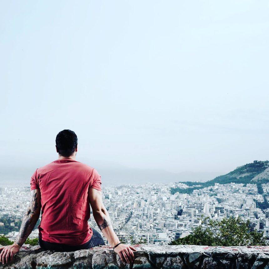 Ποιος διάσημος Έλληνας γιόρτασε τους ένα εκατομμύριο followers στο instagram; | tlife.gr