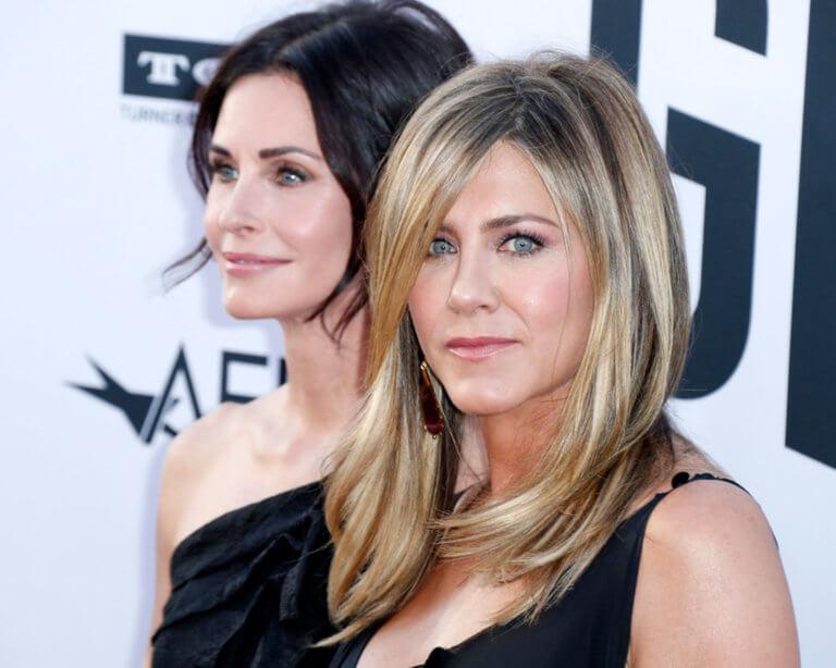 Θρίλερ στον αέρα για Jennifer Aniston και Courtney Cox! Video | tlife.gr