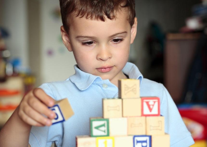Αυτισμός & Παιχνίδι: Τα οφέλη του παιχνιδιού για τα παιδιά που βρίσκονται στο φάσμα του αυτισμού