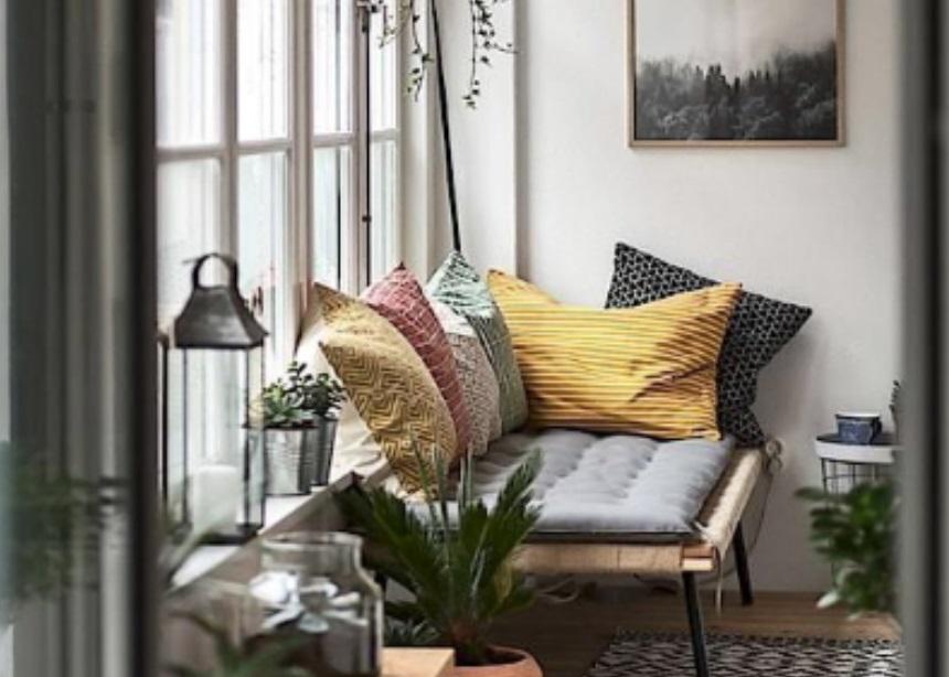 Cushions 101: Τρία βήματα για να φροντίσεις τα πολύτιμα διακοσμητικά μαξιλάρια σου | tlife.gr