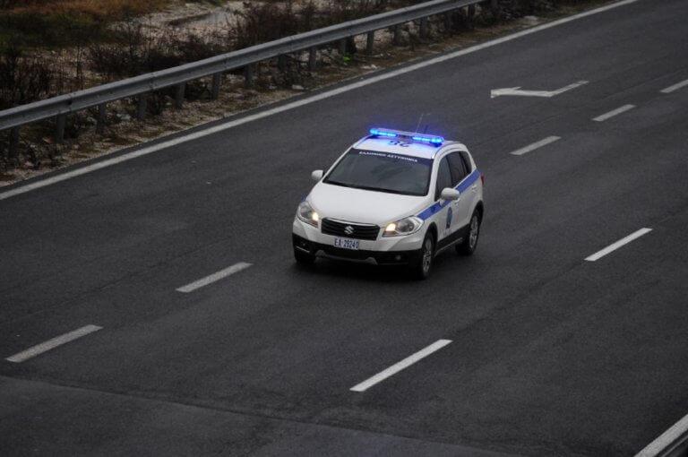 Νέα καταδίωξη στην Εγνατία – Έχασε τον έλεγχο και καρφώθηκε σε δέντρο – Δύο τραυματίες | tlife.gr