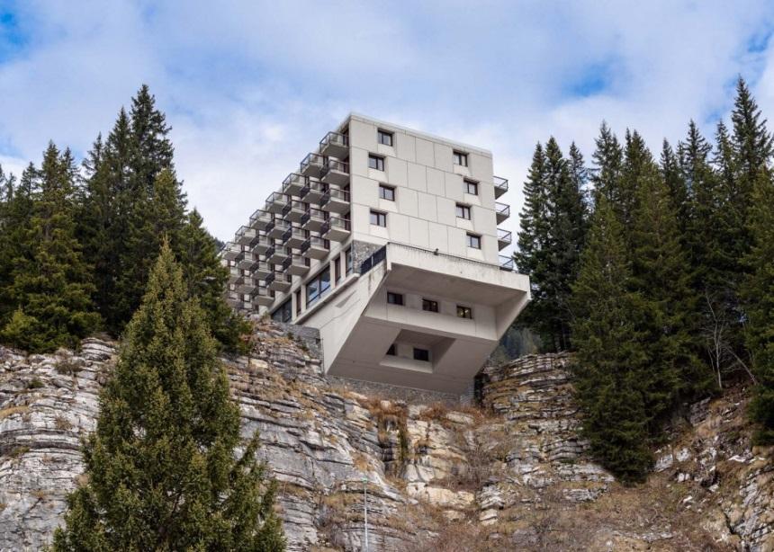 Flaine ski resort: Το εμβληματικό κτίριο στις γαλλικές Άλπεις και η contemporary ανακαίνισή του | tlife.gr