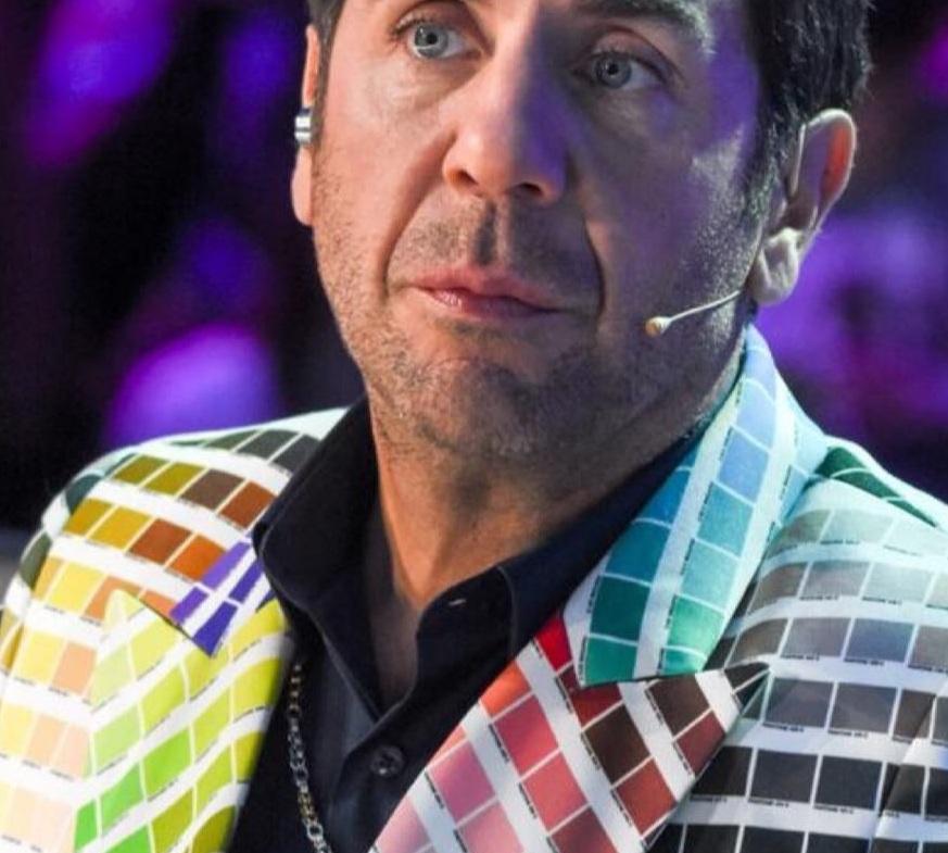 Γιώργος Μαζωνάκης: Το κοστούμι του έκλεψε την παράσταση στο YFSF! Ποιος σχεδιαστής το δημιούργησε   tlife.gr