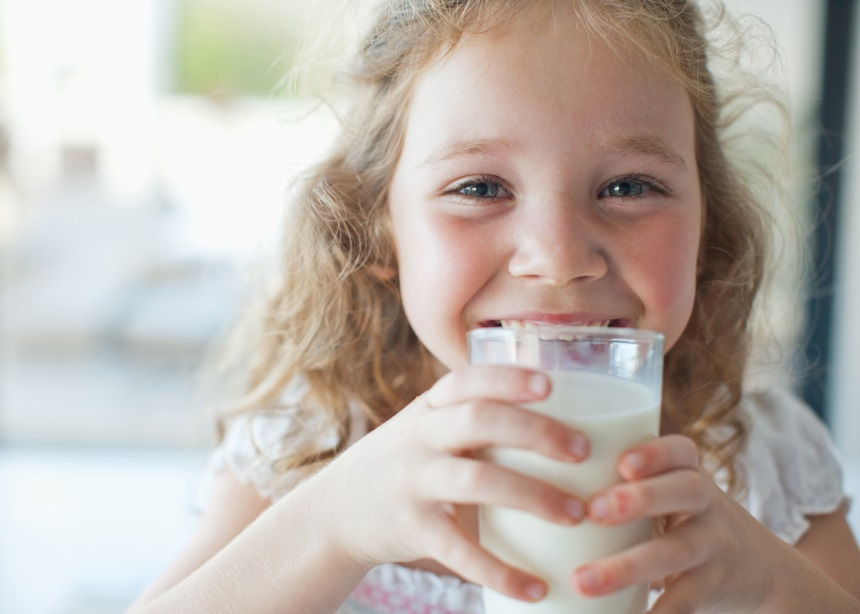 Το παιδί μου δεν τρώει γαλακτοκομικά. Πώς θα πάρει το απαραίτητο ασβέστιο για την ανάπτυξή του;