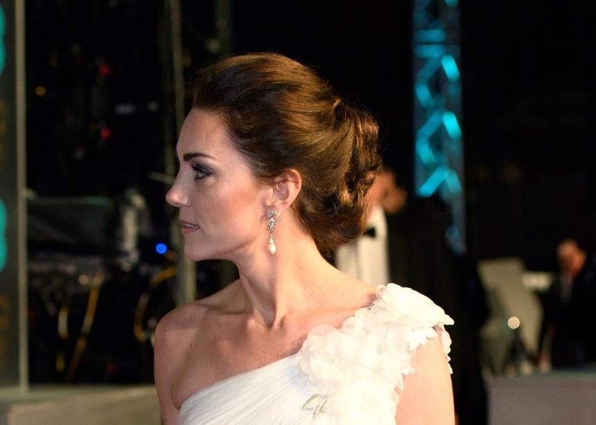 BAFTAs 2019: Το look της Kate Middleton ήταν εμπνευσμένο από την Πριγκίπισσα Νταϊάνα. Και ιδού η απόδειξη… | tlife.gr