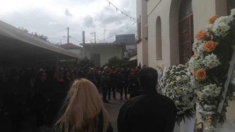 Κρήτη: Ράγισαν καρδιές στην κηδεία της μικρούλας που «έσβησε» στο νοσοκομείο | tlife.gr