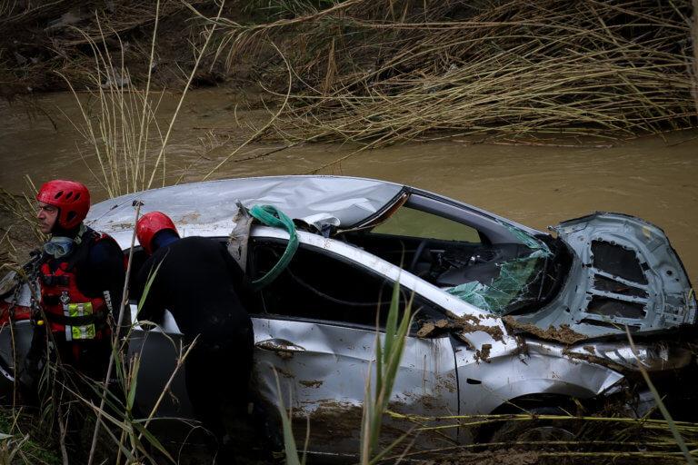 Έτσι βρέθηκε το αυτοκίνητο με τους 4 νεκρούς στην Κρήτη | tlife.gr