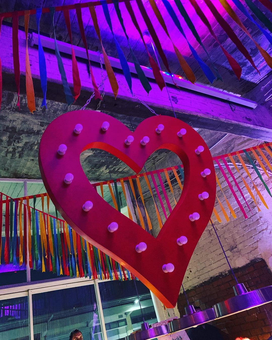 Φαίη Σκορδά | Δες φωτογραφίες από το αργοπορημένο μεν, υπέροχο δε, party για τα 39α γενέθλιά της - εικόνα 13