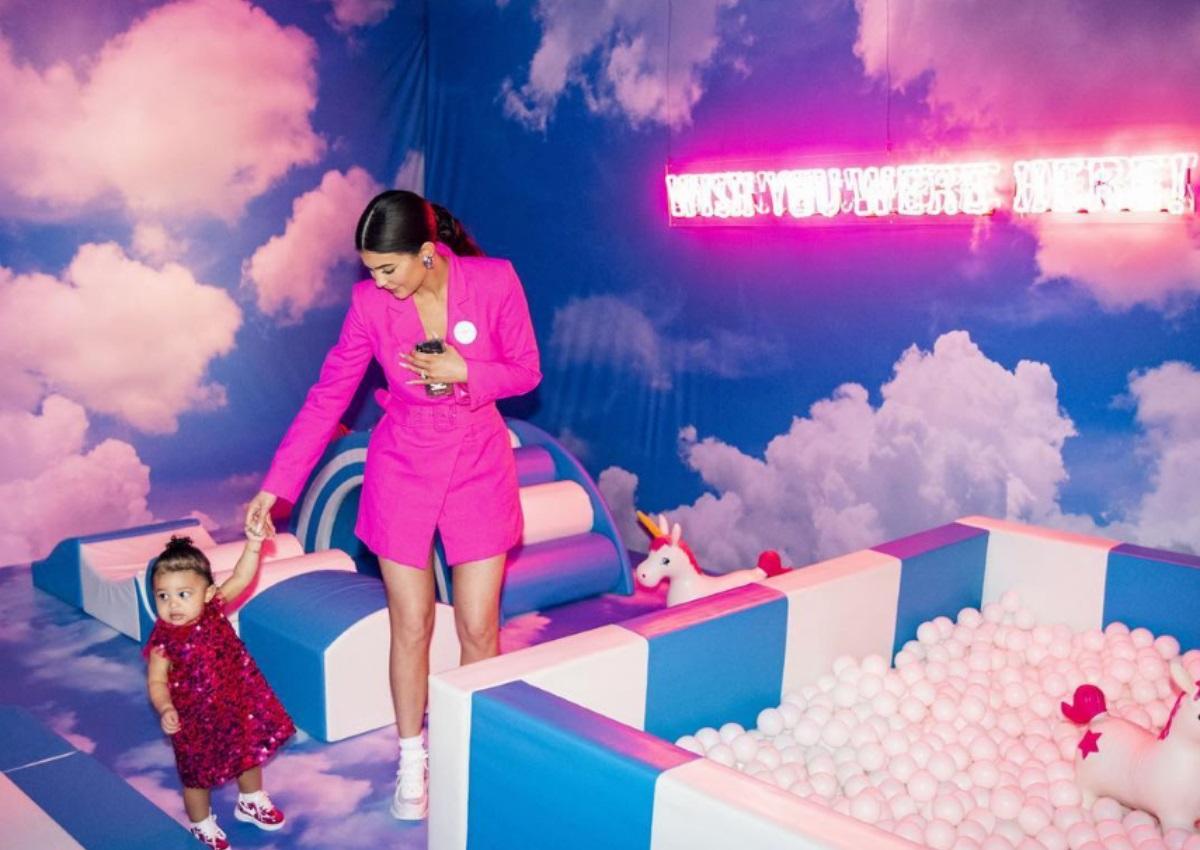 Kylie Jenner: Το χλιδάτο party υπεραπαραγωγή για την κόρη της! Κατασκεύσασε για χάρη της ολόκληρο λούνα – παρκ! [pics] | tlife.gr