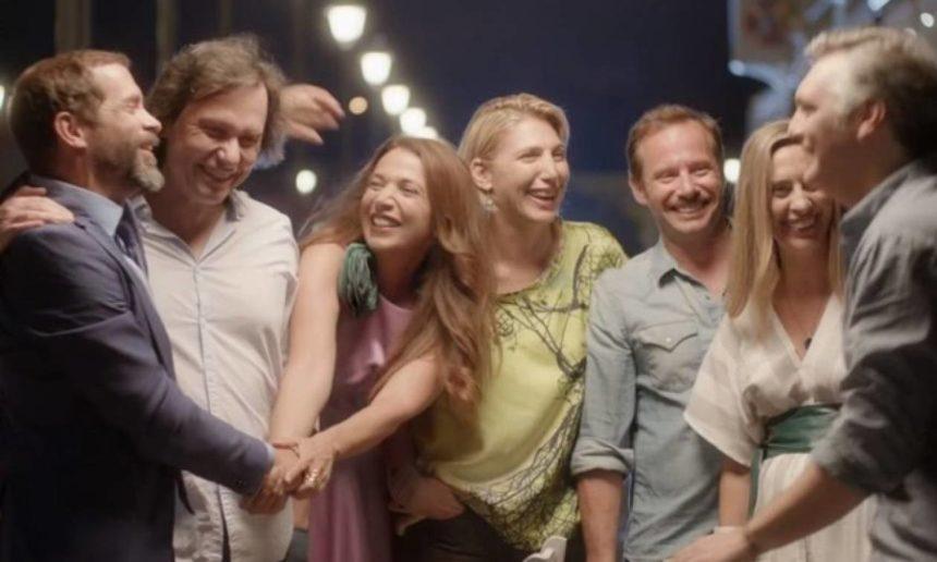 """Χριστίνα Αλεξανιάν: Μας δείχνει πως χαλαρώνουν οι ηθοποιοί μετά τα γυρίσματα του """"Λόγω Τιμής""""   tlife.gr"""