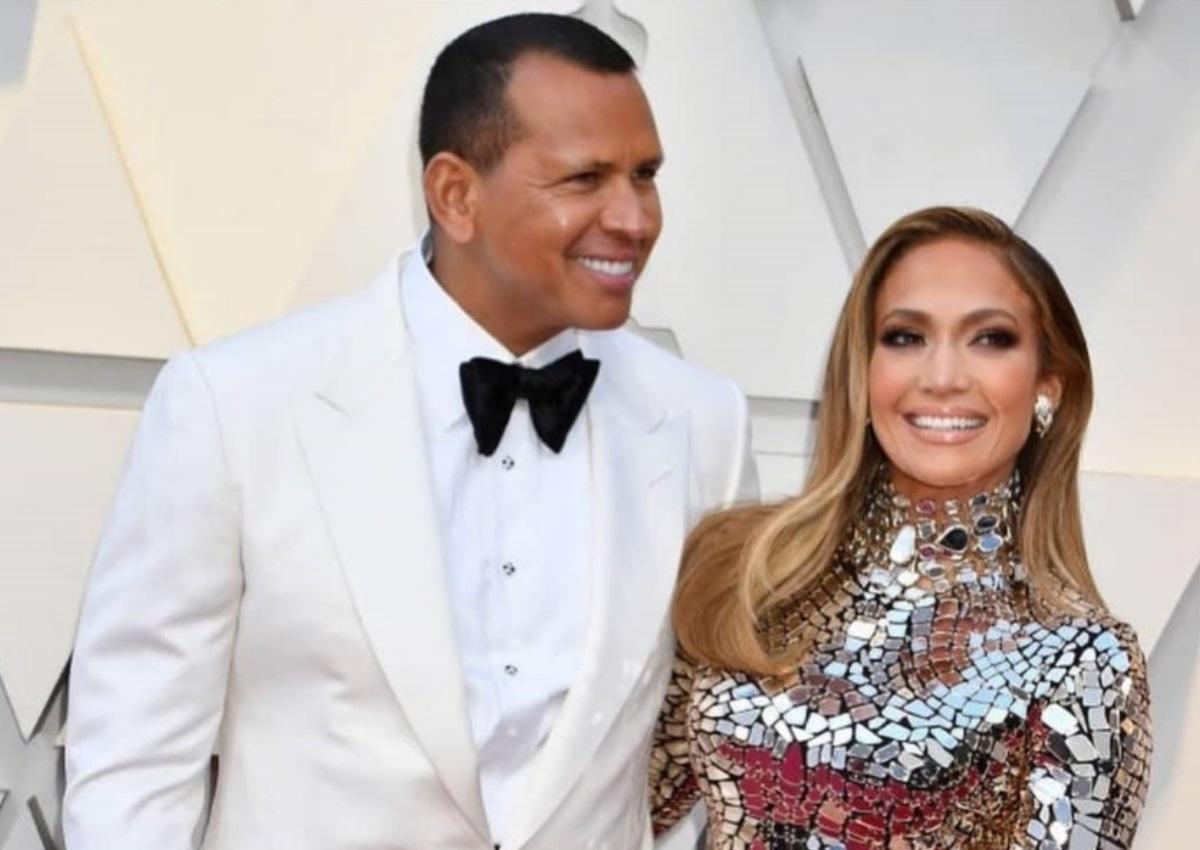Όσκαρ 2019: Η εντυπωσιακή εμφάνιση της Jennifer Lopez στο κόκκινο χαλί μαζί με τον σύντροφο της! [pics]