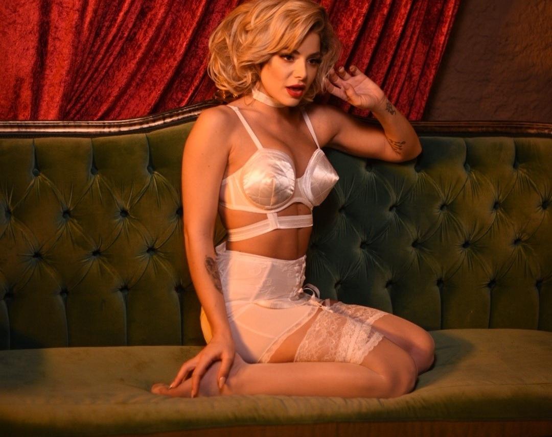 Josephine: Μεταμορφώνεται σε σέξι Μέριλιν Μονρόε για το νέο της videoclip!