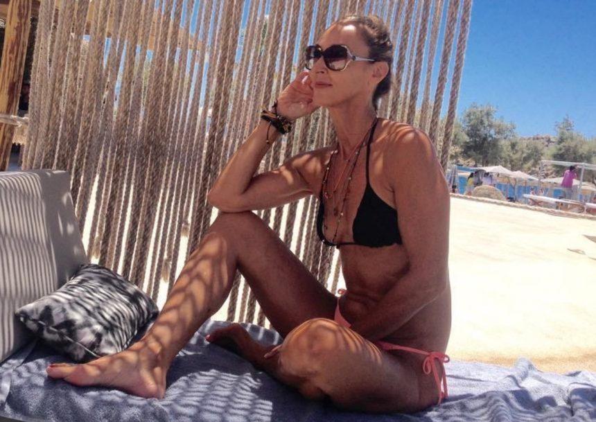 Κι όμως, είναι μητέρα παίκτη του «Power of love 2» – Εντυπωσιάζει με τις αναλογίες της! (pics) | tlife.gr