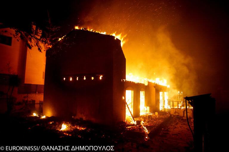 Πόρισμα – φωτιά για την πολύνεκρη πυρκαγιά στο Μάτι: Χάος στον κρατικό μηχανισμό | tlife.gr