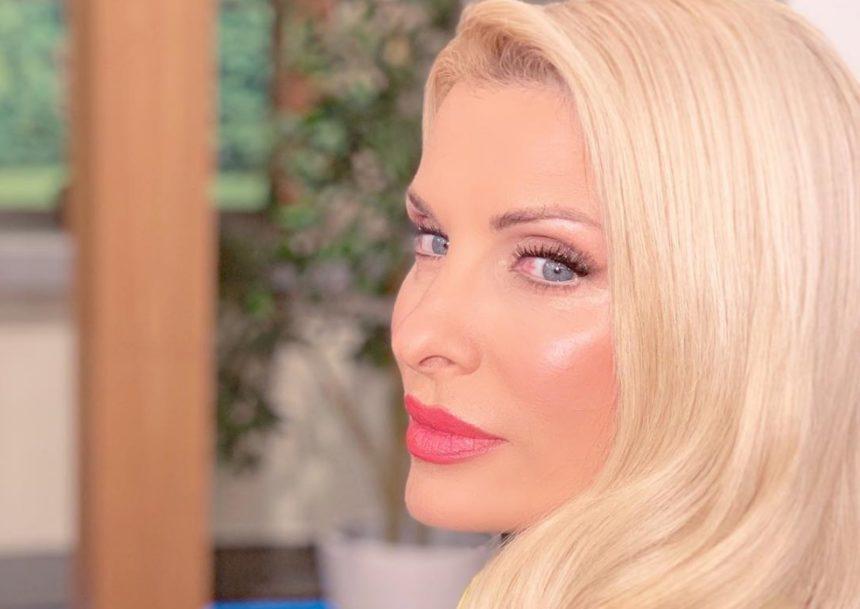 Ελένη Μενεγάκη: Η τυχαία συνάντηση στη Θεσσαλονίκη με Έλληνα τραγουδιστή! [pic] | tlife.gr