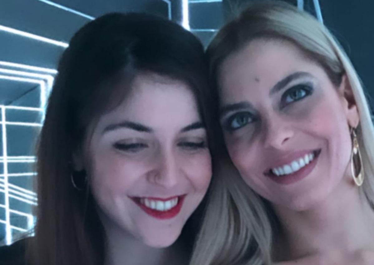 Μυριέλλα Κουρεντή: Διασκέδασε με την αδερφή της και τις κολλητές της στις «Μέλισσες» | tlife.gr