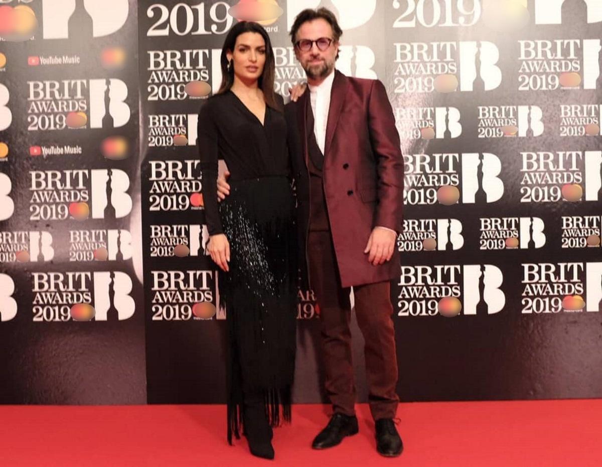 Τόνια Σωτηροπούλου – Κωστής Μαραβέγιας: Μαζί στο κόκκινο χαλί των Brit Awards στο Λονδίνο! [pics]
