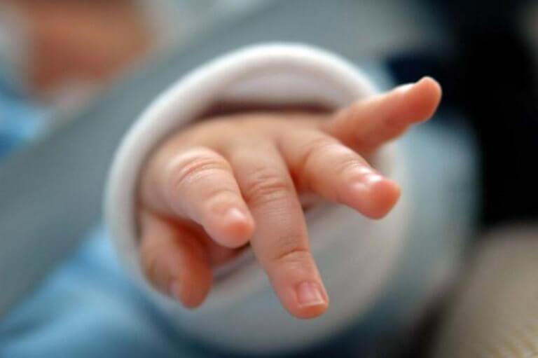 Γρίπη: Νεκρό μωράκι 20μηνών – Ο παιδίατρος… τους είχε καθησυχάσει | tlife.gr