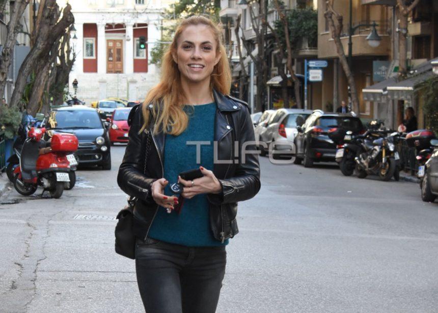 Ντορέττα Παπαδημητρίου: Βόλτα με casual look στο κέντρο της πόλης! [pics] | tlife.gr