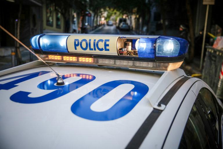Άγριο έγκλημα στον Πειραιά: Βρέθηκε κατακρεουργημένος στο μπαλκόνι του σπιτιού του | tlife.gr
