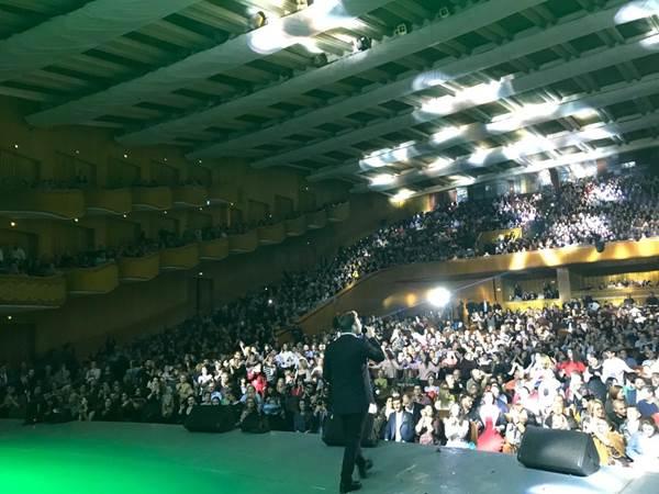Γιάννης Πλούταρχος: Αποθεώθηκε από 4.000 κόσμο στο Βουκουρέστι! [pics,vid] | tlife.gr