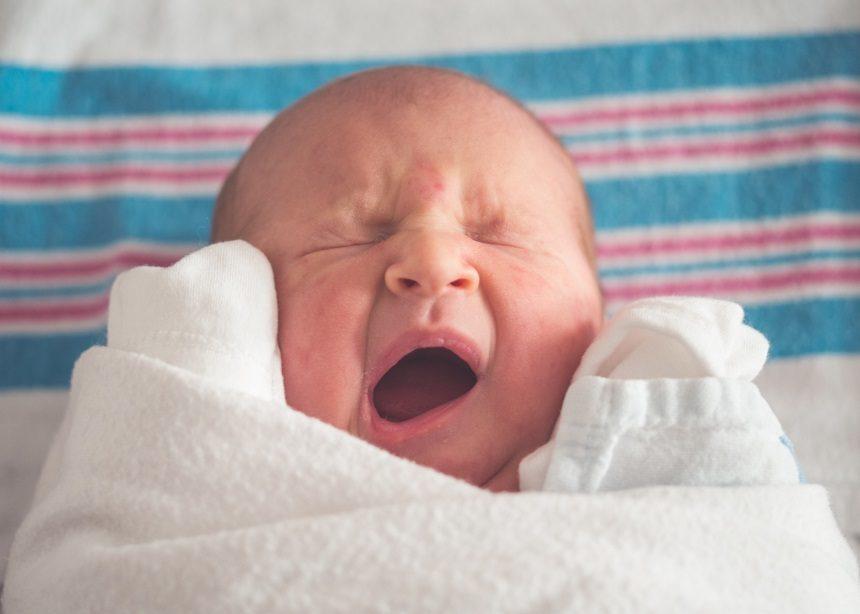 Πώς μπορεί η πρόωρη γέννηση ενός βρέφους να επηρεάσει την οικογενειακή κατάσταση; | tlife.gr