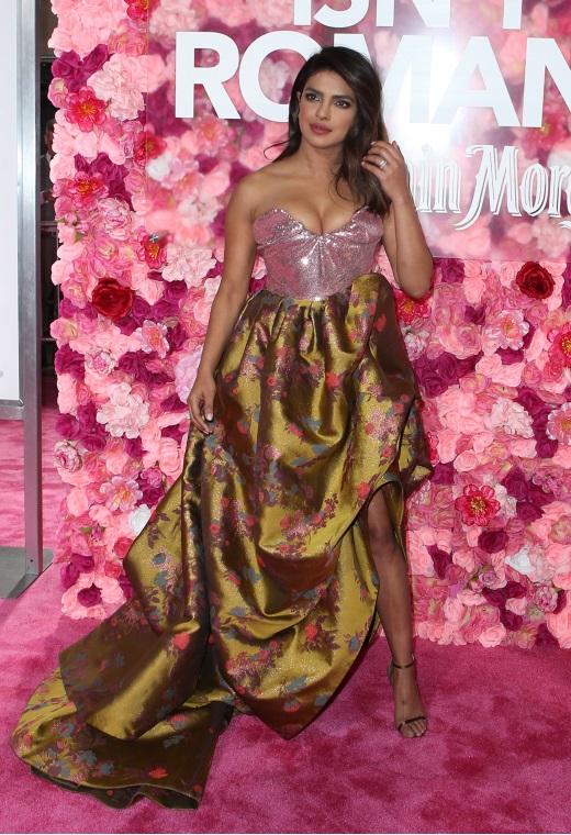 Η Priyanka Chopra με Vivienne Westwood   tlife.gr