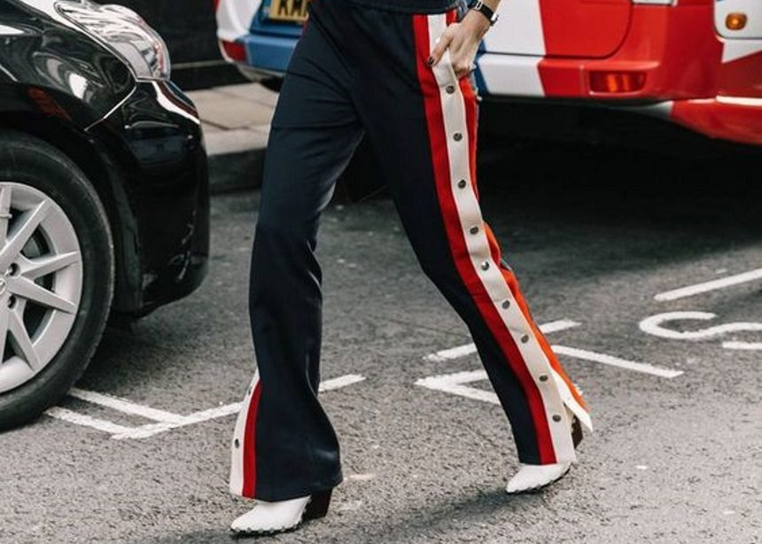 Stripe pants: Αν σου αρέσει το athleisure style τότε σου έχω τέλεια νέα! | tlife.gr