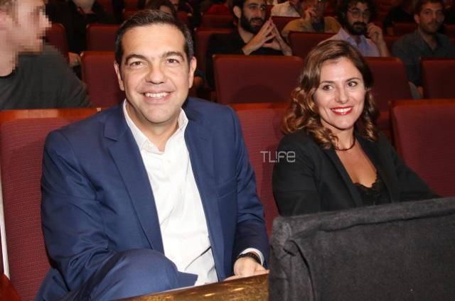 Ο Αλέξης Τσίπρας πήγε θέατρο! Ποια παράσταση επέλεξε να παρακολουθήσει [pic,vid] | tlife.gr