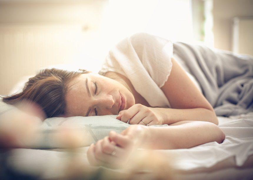 Mom Life: Τέσσερα σημάδια που θα σου δείξουν ότι δεν κοιμάσαι όσο πρέπει | tlife.gr
