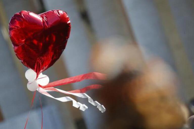Κωνσταντινούπολη: «Χτύπησε» υπερωρίες ο Άγιος Βαλεντίνος – Ένας γάμος κάθε πέντε λεπτά! | tlife.gr