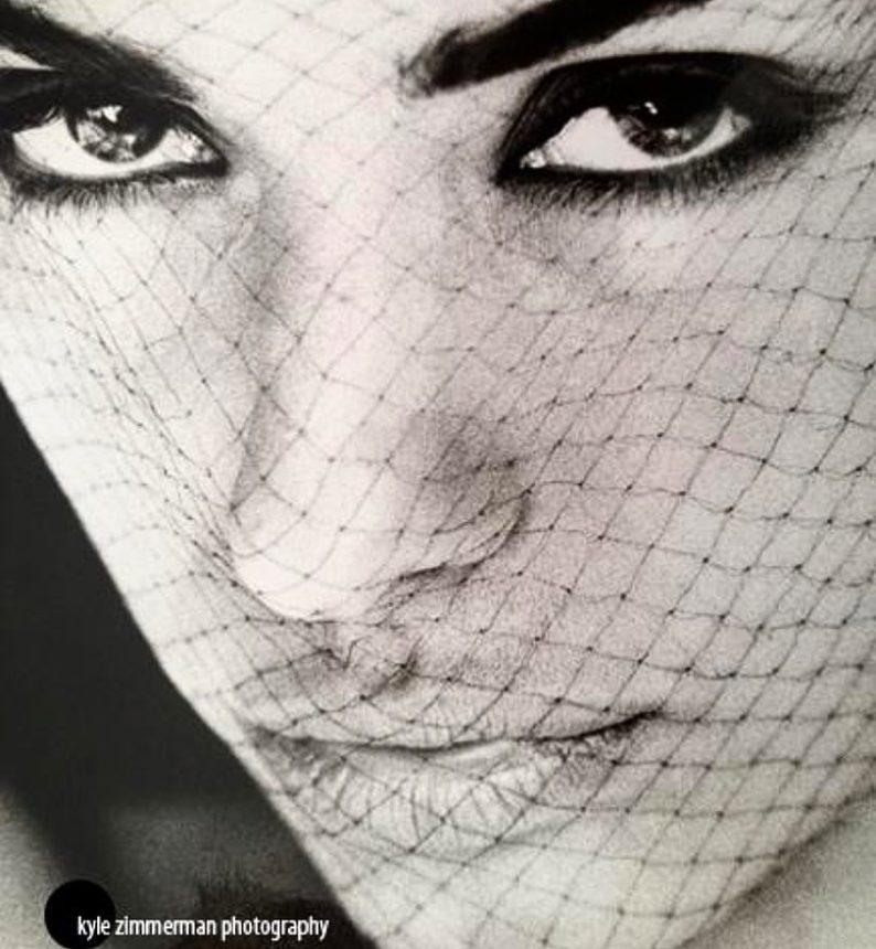 Είναι Ελληνίδα μοντέλο και ηθοποιός 28 χρόνια πριν! Την αναγνώρισες; Φωτογραφίες | tlife.gr
