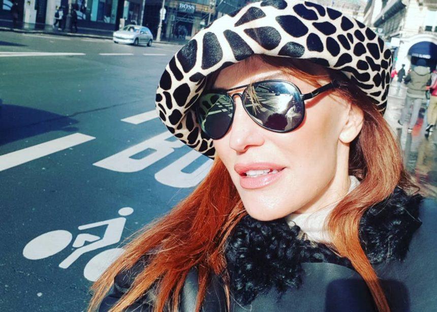 Βίκυ Χατζηβασιλείου: Απολαμβάνει τις βόλτες της στο Παρίσι! [pic,video] | tlife.gr
