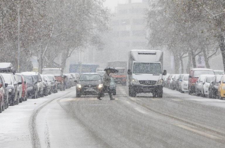 """Καιρός: Στους ρυθμούς της Ωκεανίδας """"χορεύει"""" η χώρα! Τεράστια προβλήματα από το χιόνι και τους θυελλώδεις ανέμους   tlife.gr"""