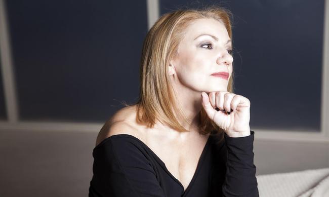 Πέμη Ζούνη: Η δικηγόρος της απαντά για το κόψιμο της συνέντευξης της Μπέσσυς Γιαννοπούλου! Video | tlife.gr