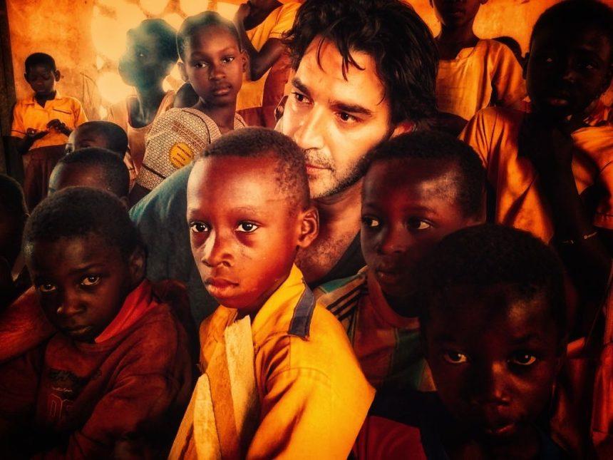 «Ένας κόσμος»: Το ντοκιμαντέρ του Χριστόφορου Παπακαλιάτη έρχεται στον Alpha! | tlife.gr