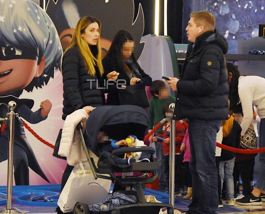 Μαριέττα Χρουσαλά- Λέων Πατίτσας: Οι βόλτες με το μωρό και τα ψώνια σε εμπορικό κέντρο! [pics]   tlife.gr