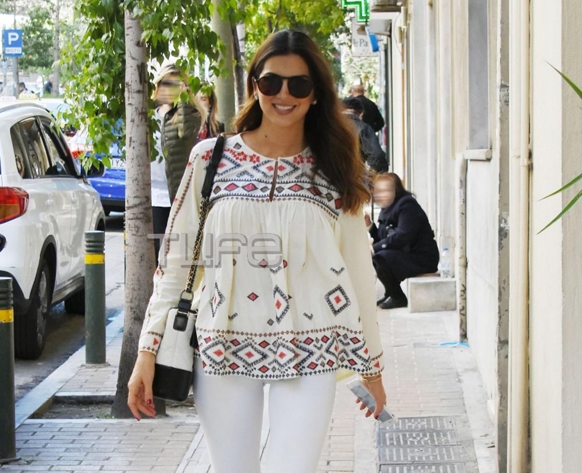 Σταματίνα Τσιμτσιλή: Με άψογο street style look στο Κολωνάκι! [pics]