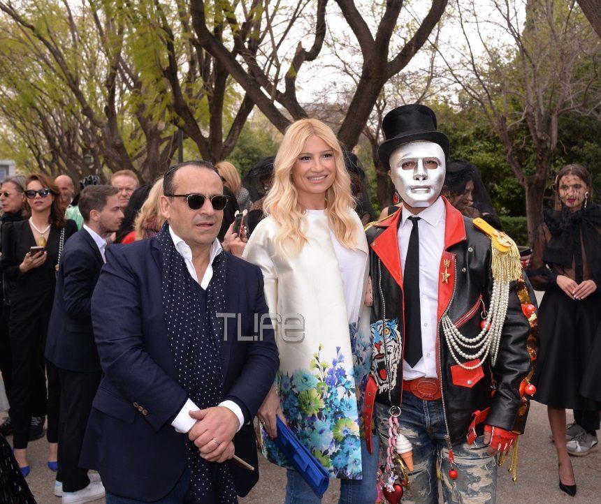 Φαίη Σκορδά: Εντυπωσιακή εμφάνιση στο fashion show του Βασίλη Ζούλια στο Ζάππειο! Φωτογραφίες | tlife.gr