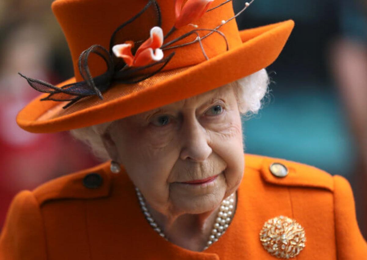 Η βασίλισσα Ελισάβετ έκανε το πρώτο της post στο Instagram και μάλιστα μόνη της!   tlife.gr