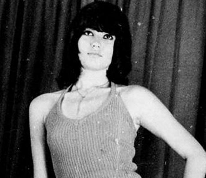 Είναι διάσημη Ελληνίδα ηθοποιός στα 15 της χρόνια! Την αναγνώρισες;