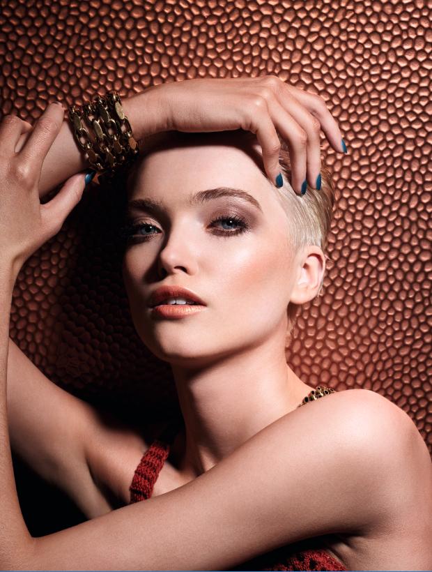Earth tones: η νέα καμπάνια του Dior αποδεικνύει πως αυτή είναι η μεγαλύτερη τάση στο μακιγιάζ! | tlife.gr
